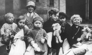WW2 British chidren evacuees Guardian