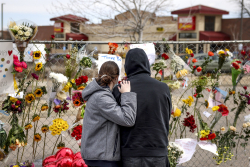 Soopers-shooting-memorial-Boulder